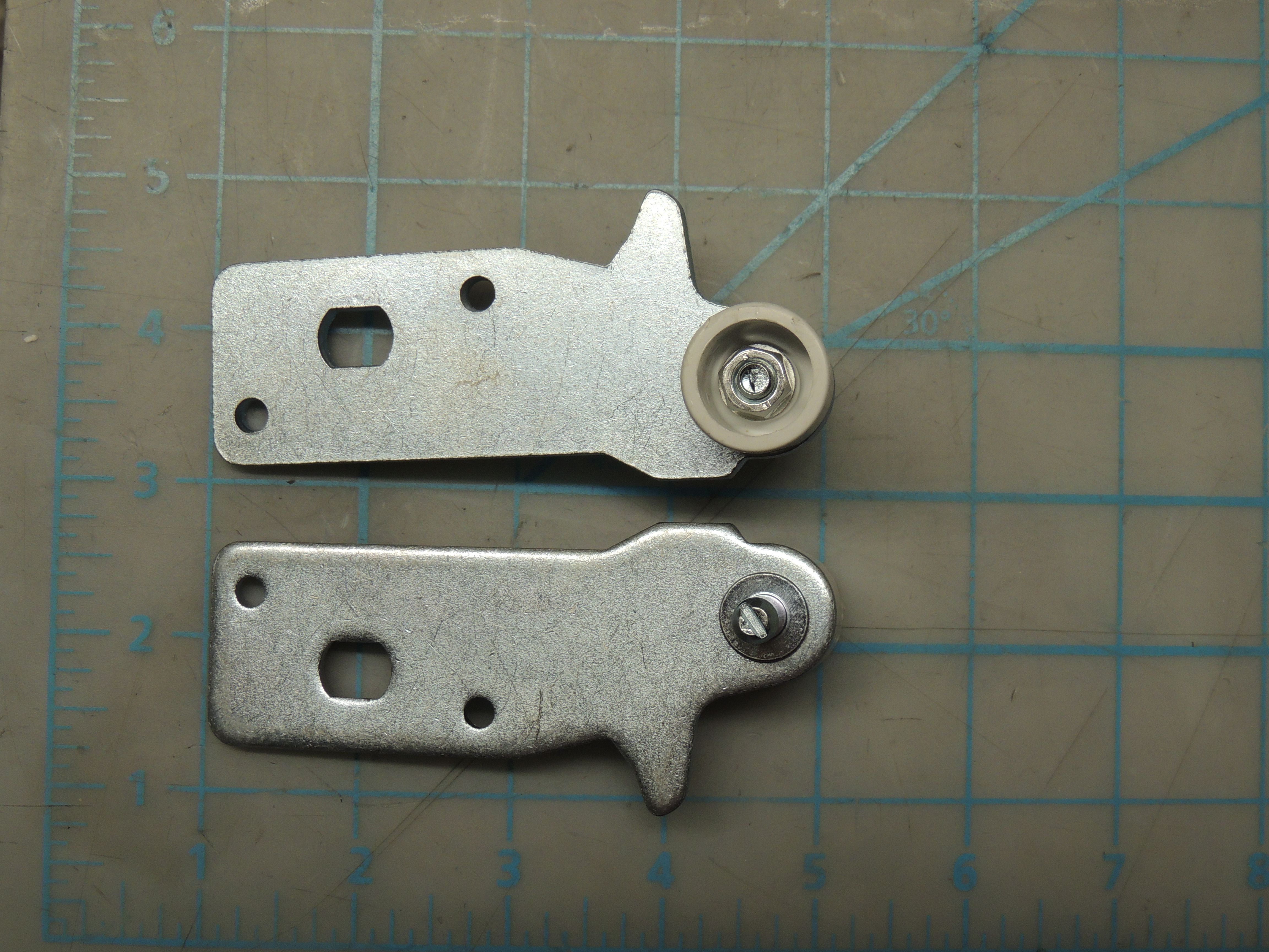 SBCR LOWER DOOR HINGE ASSEMBLY