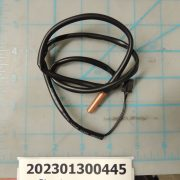 Pipe temp sensor assembly